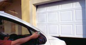 ouverture télécommandée de votre porte de garage sectionnelle